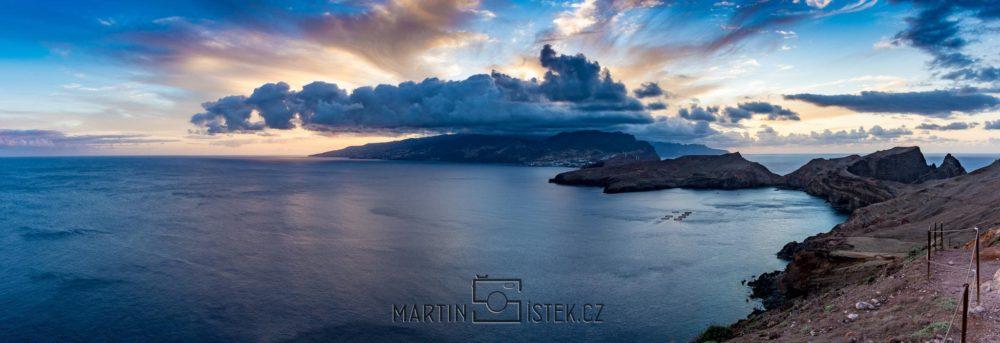 Západ slunce na poloostrově Ponta de Sao Laurenco