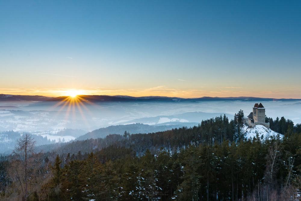 Hrad Kašperk, západ slunce Kašperské hory